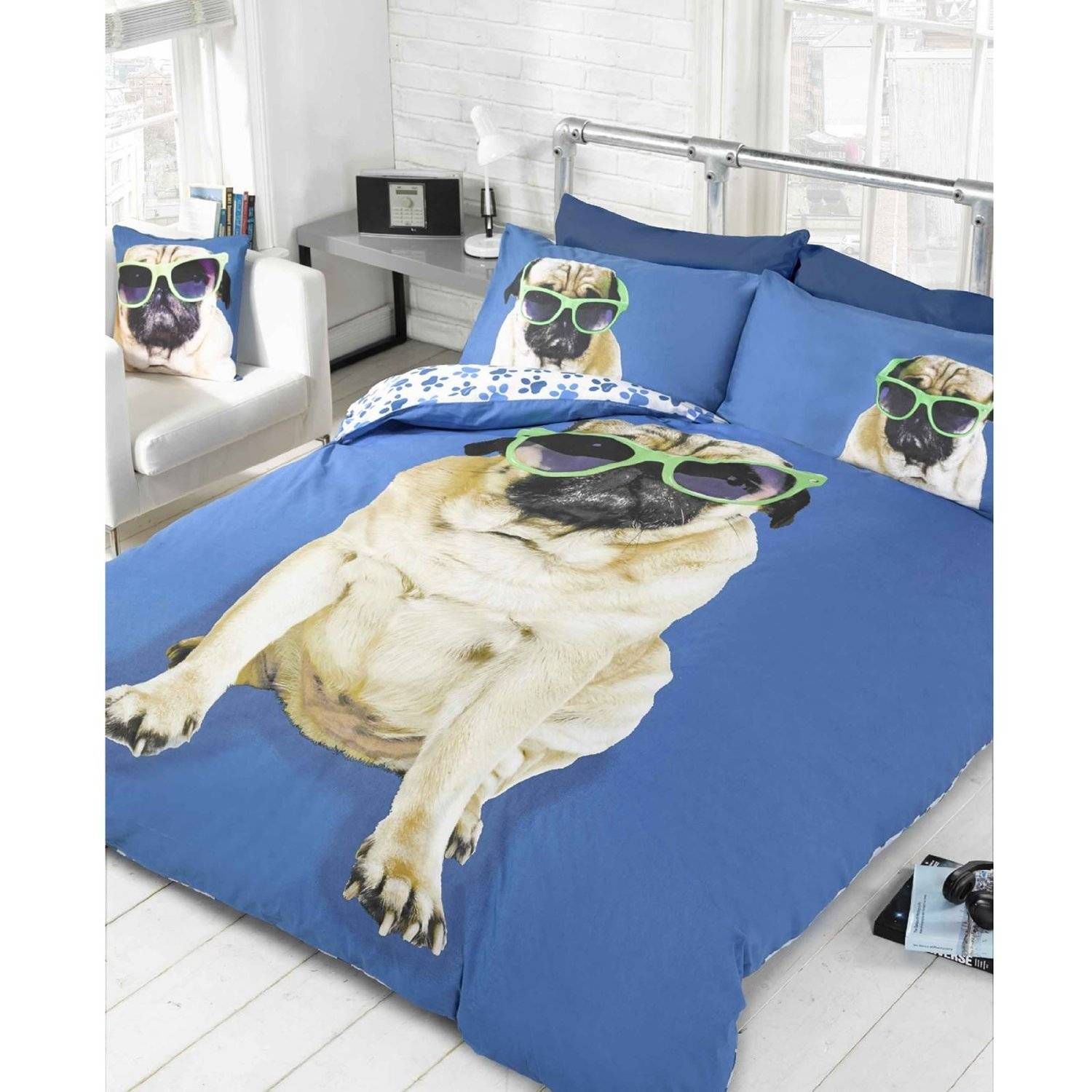 housse de couette chien percy pug bleu. Black Bedroom Furniture Sets. Home Design Ideas